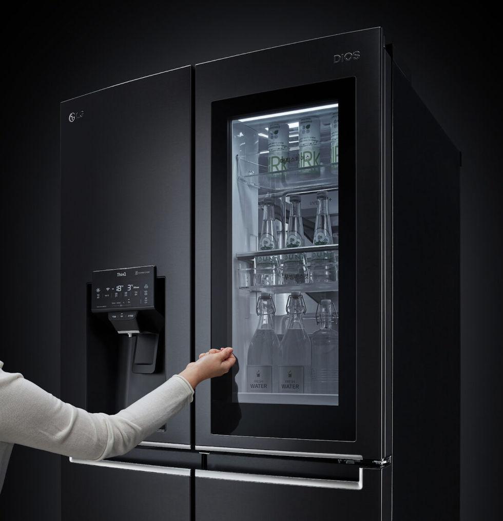 LG presenterar röststyrt kylskåp