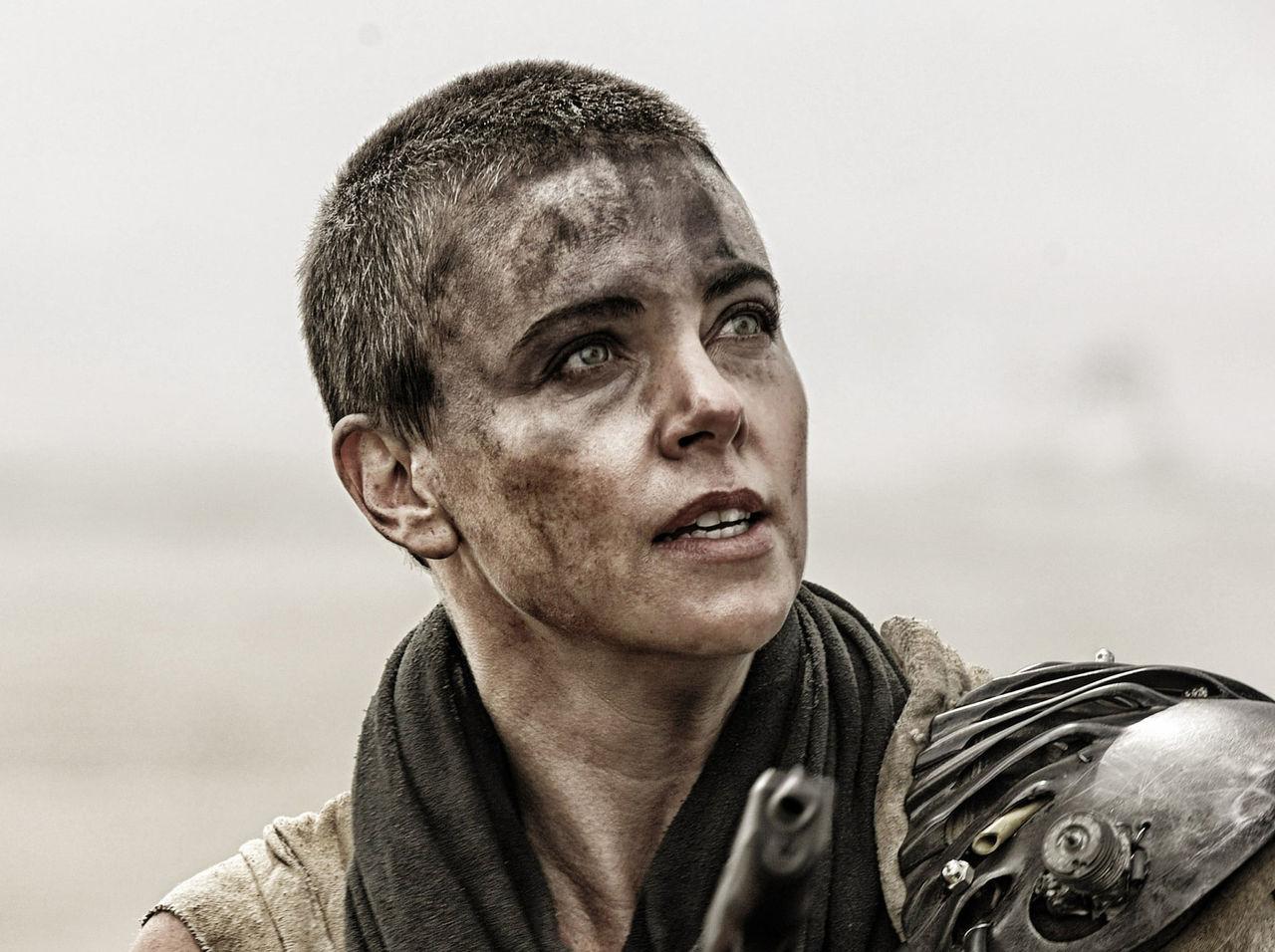 2023 kommer Warner Bros. att släppa filmer på bio först igen