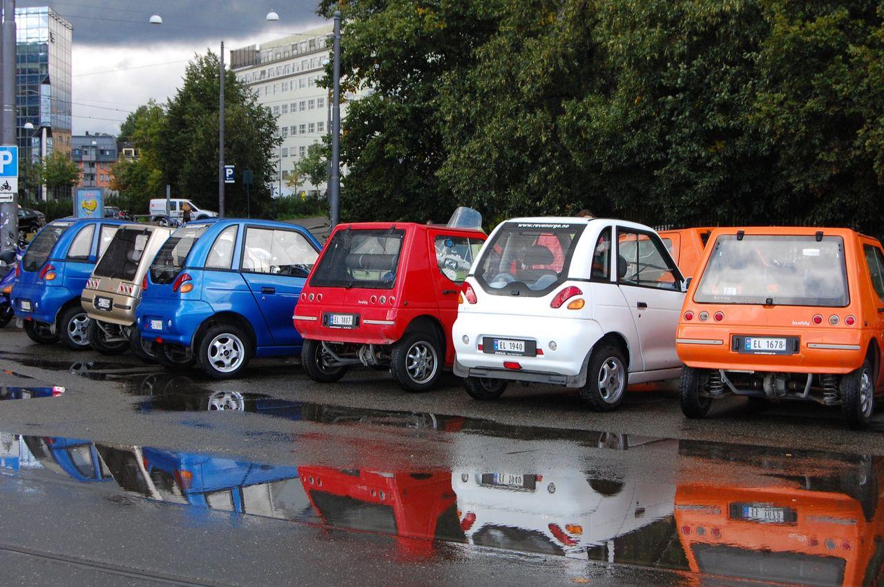 Varannan ny bil som säljs i Norge är nu helt eldriven