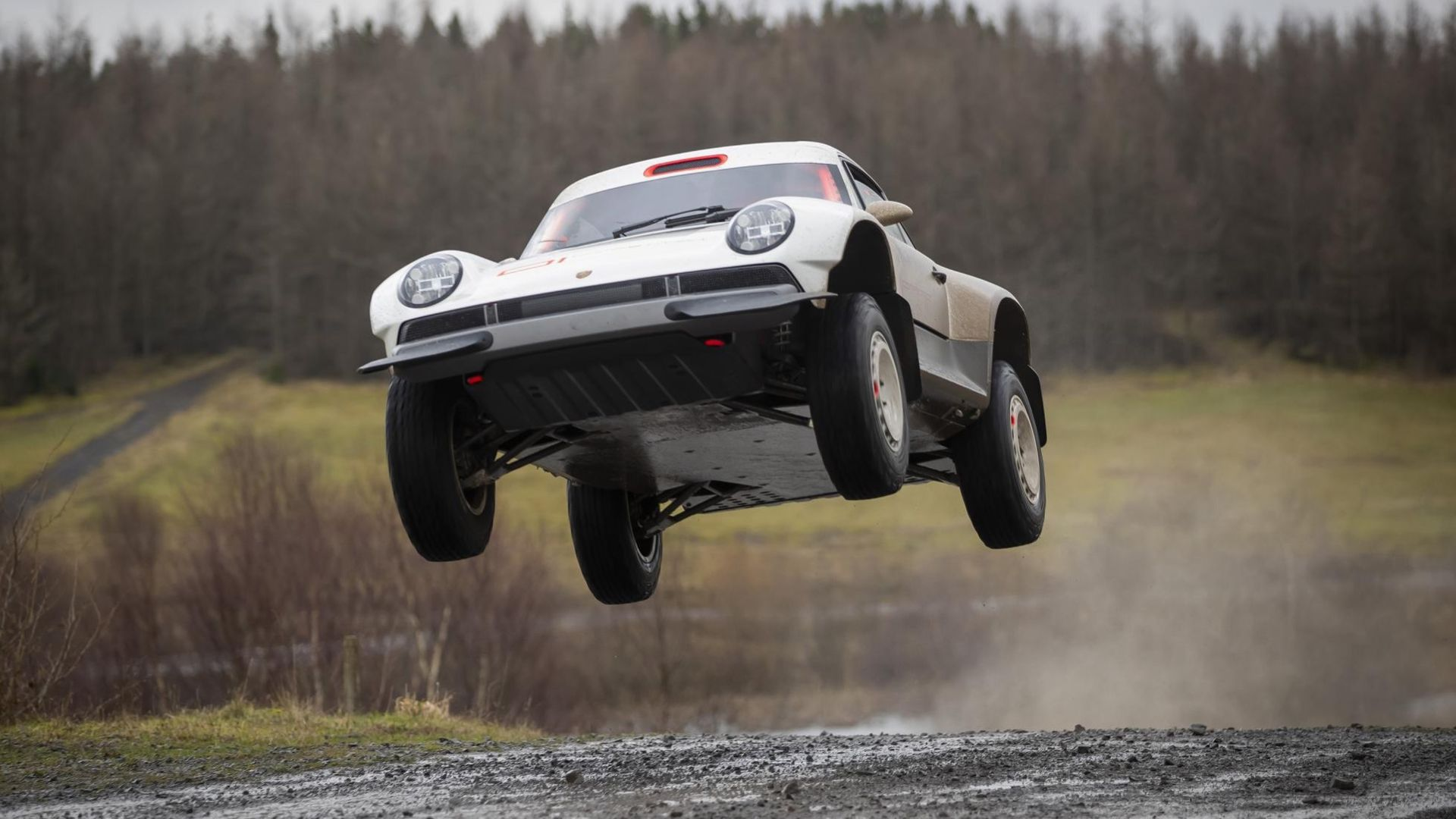 Singer har byggt en Porsche 911 som funkar bra offroad