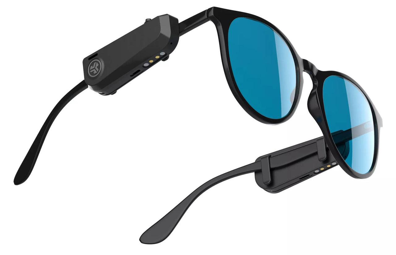 JLab presenterar hörlurar som fästs på glasögonen