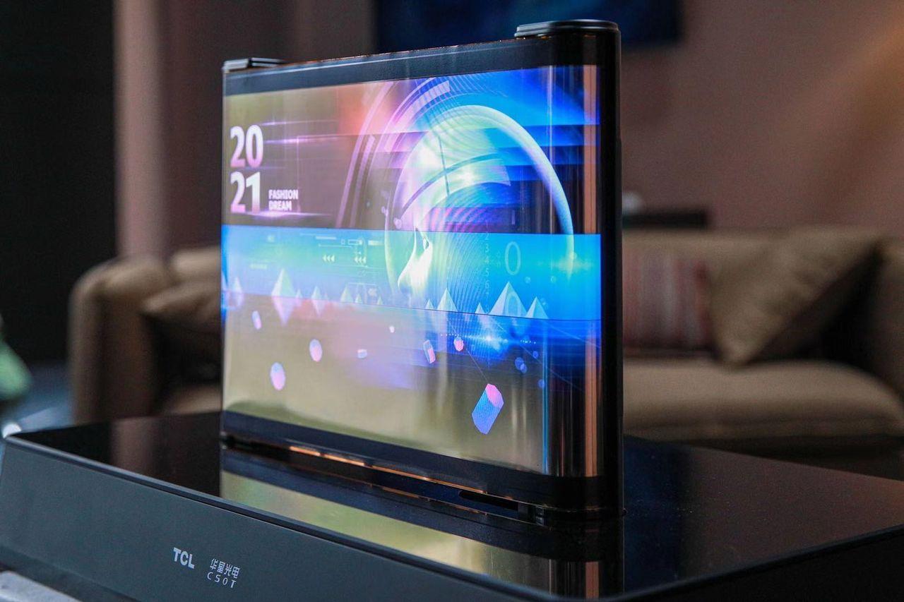 TCL visar upp rullbar OLED-skärm på 17 tum