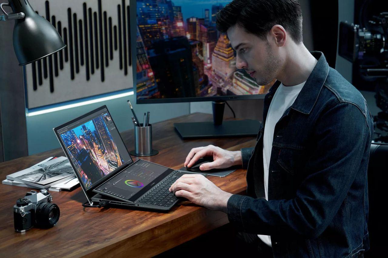 ASUS visar upp nya laptops med dubbla skärmar