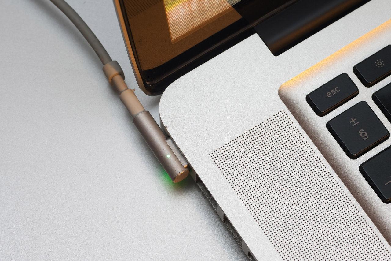 Apple vill börja använda MagSafe-kontakt igen