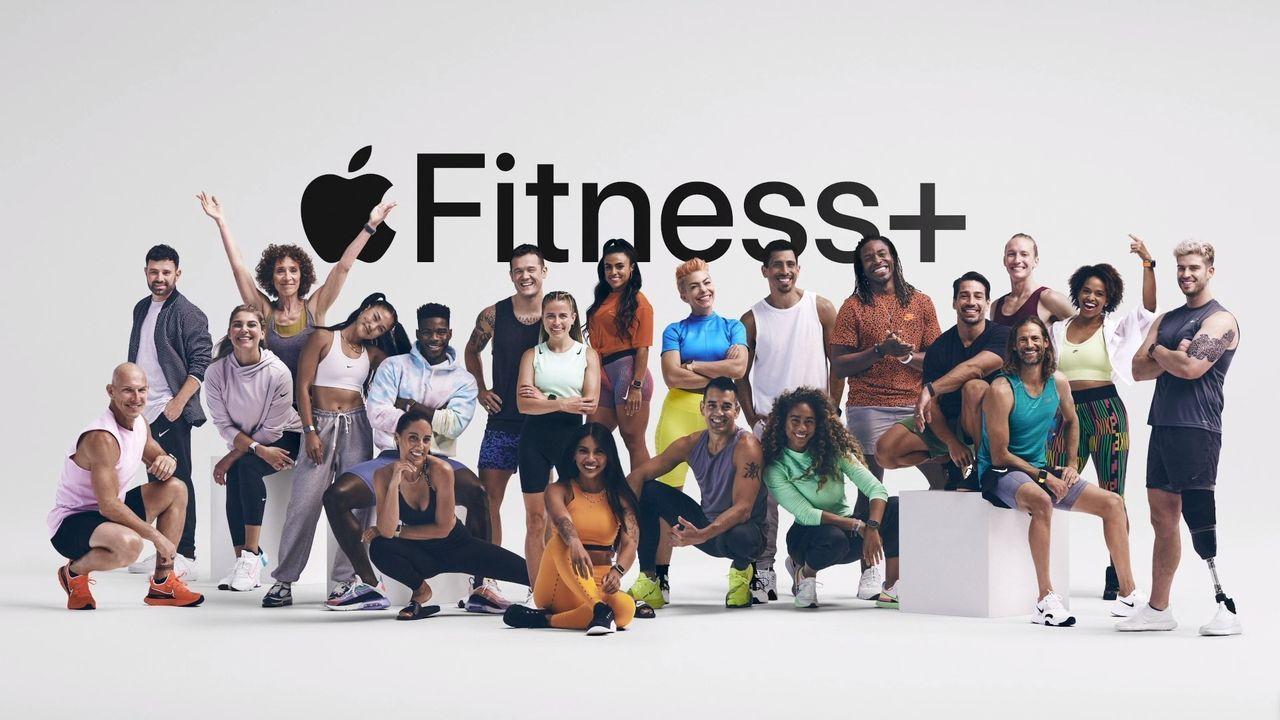 Lyssna på berättelser när du promenerar med Apple Fitness+