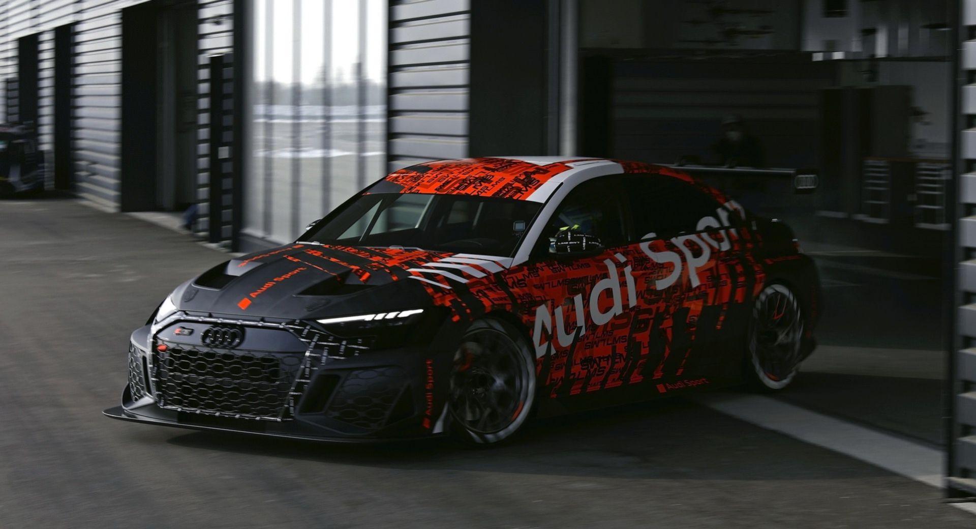 En första titt på nya Audi RS3