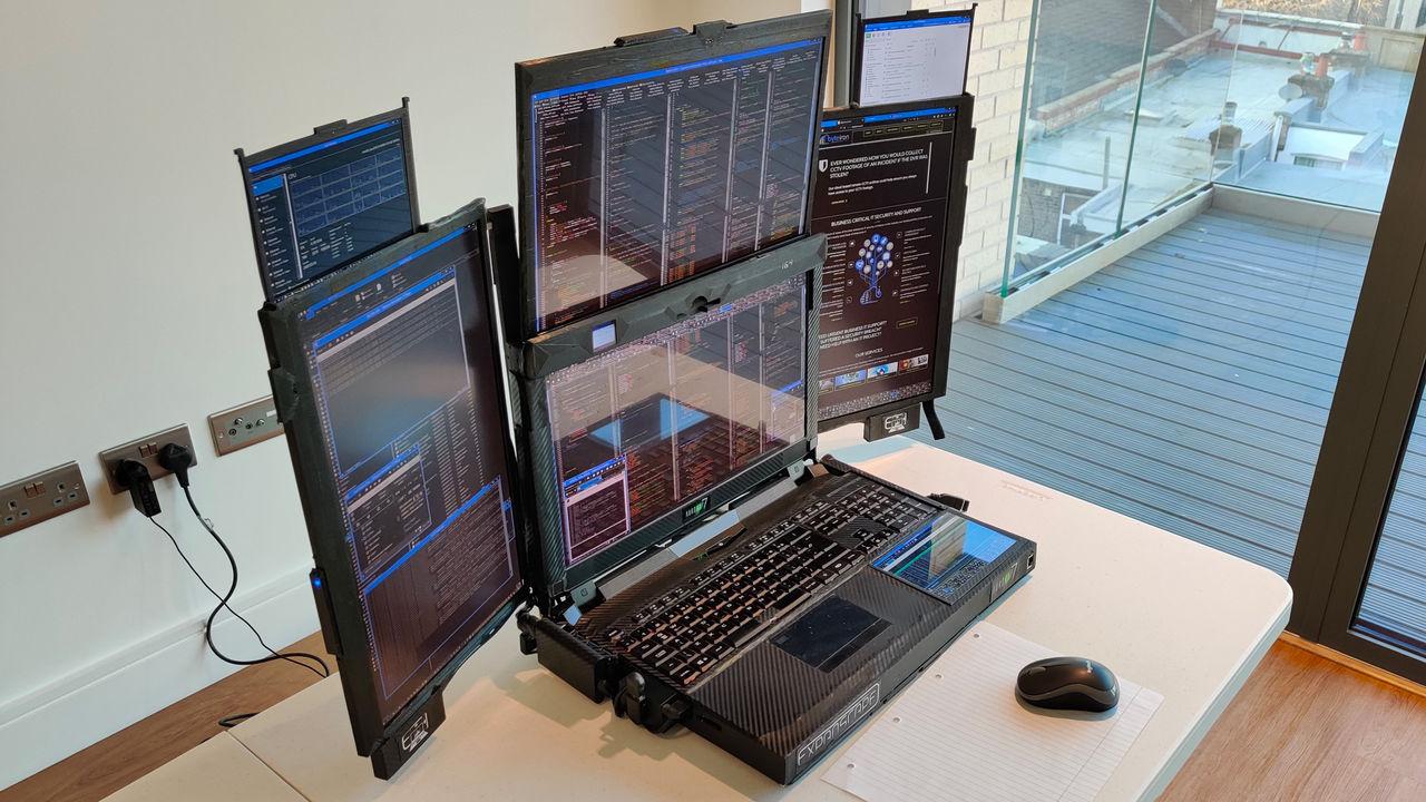 Aurora 7 är en laptop med sju skärmar