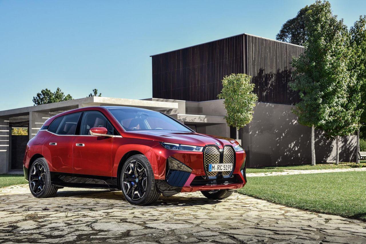 Tillverkningsstarten för BMW iX försenas till mars 2022