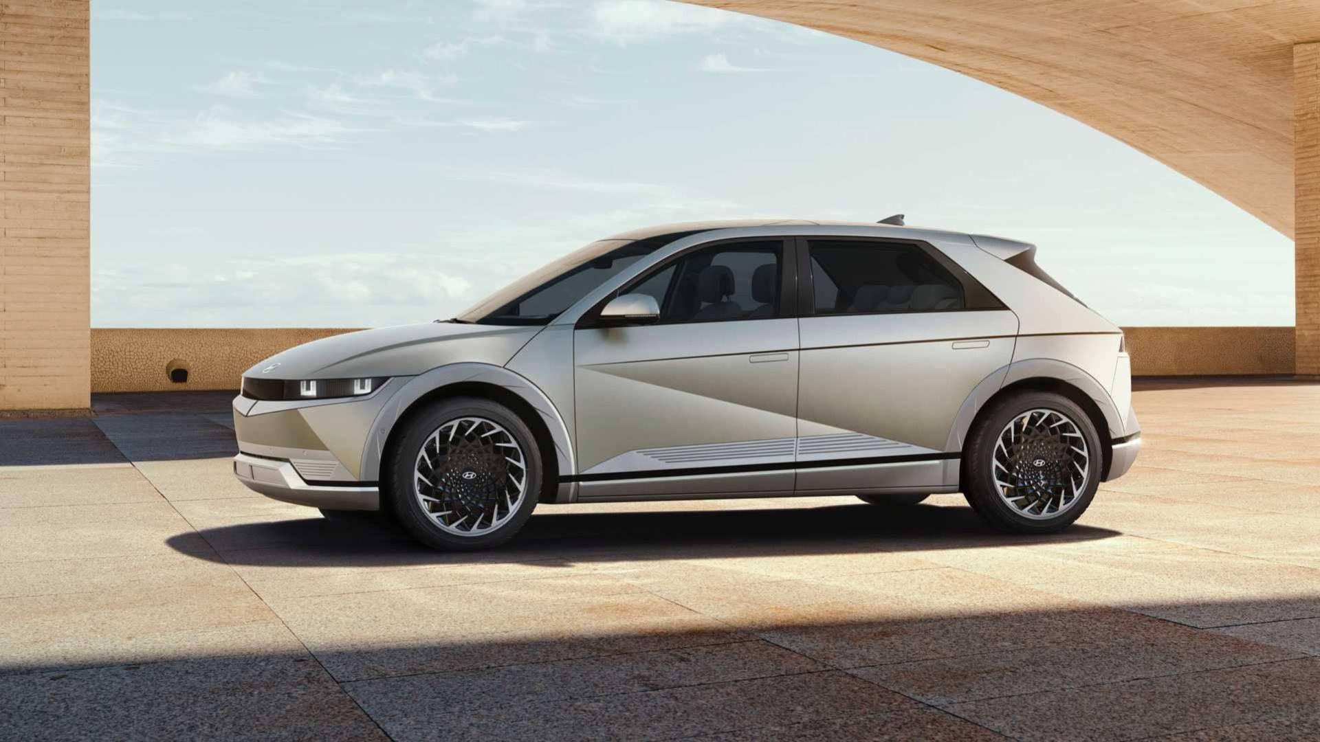 Nu är den här - Hyundais eldrivna retrotuffing Ioniq 5