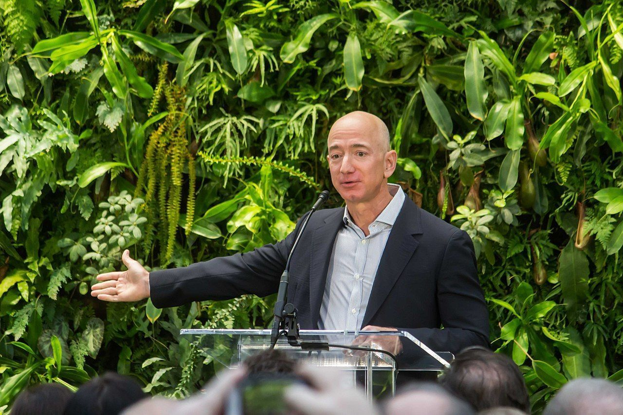 Jeff Bezos rikast i världen igen