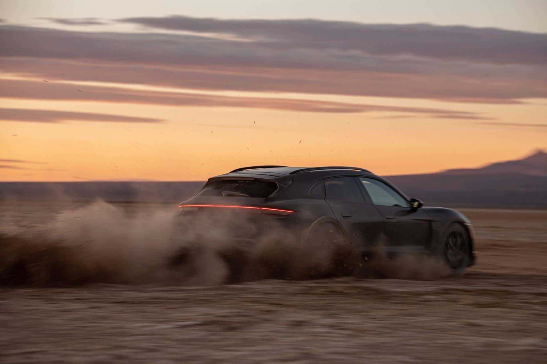 Porsche Taycan Cross Turismo har premiär den 4 mars