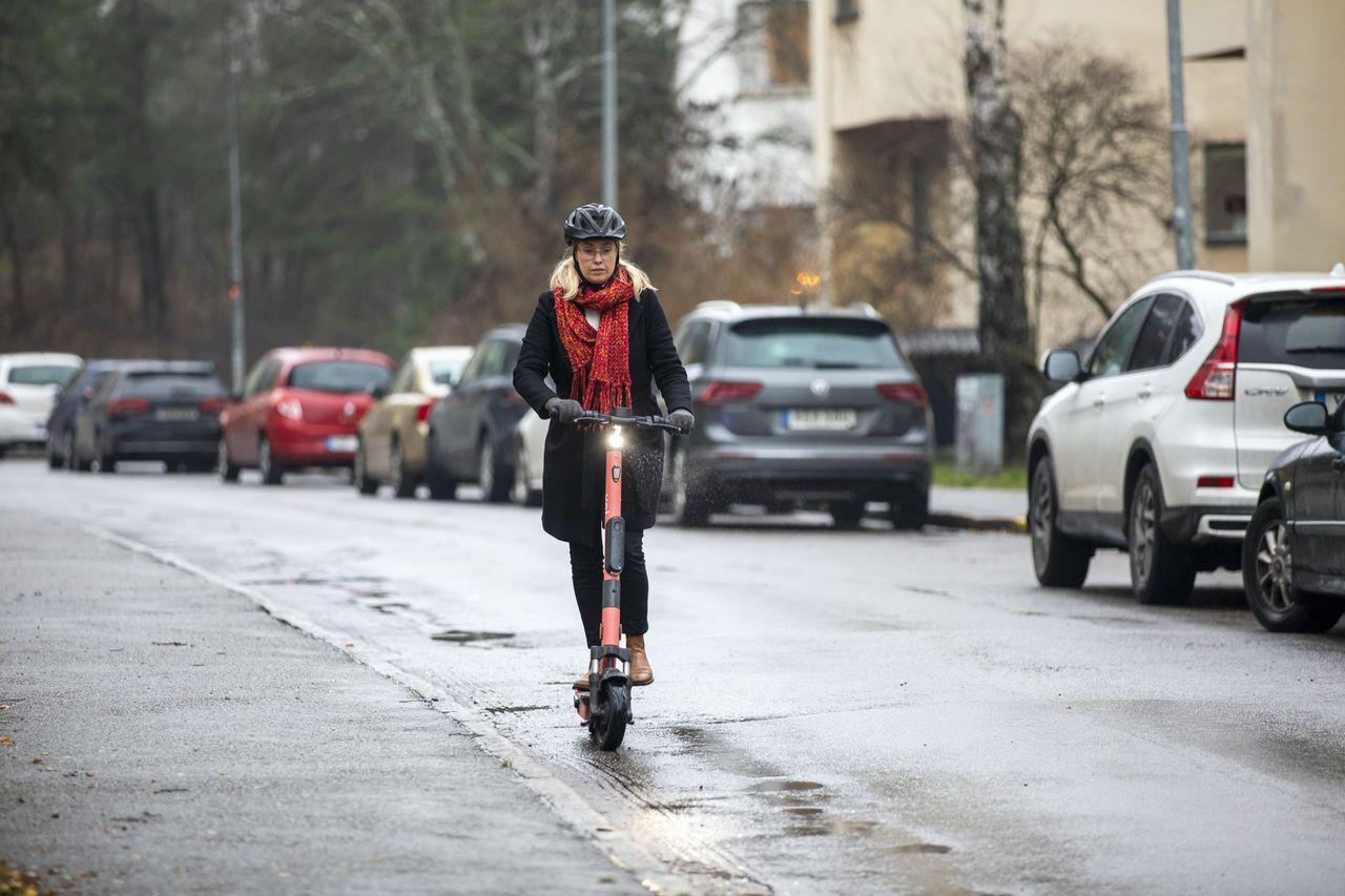 Transportstyrelsen vill göra elsparkcyklandet trafiksäkrare