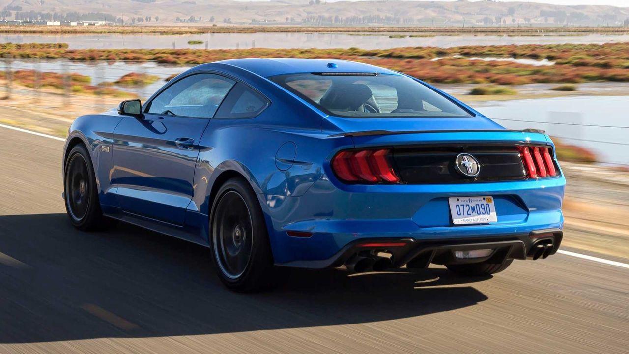 Ford Mustang med fyra slutar säljas i Europa