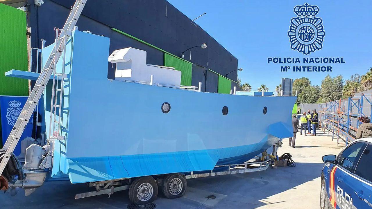 Spansk polis har hittat Europas första smugglarubåt