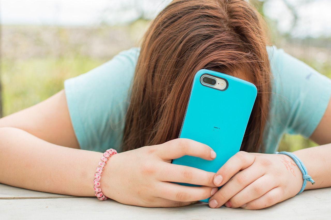 Instagram stoppar vuxna från att messa tonåringar