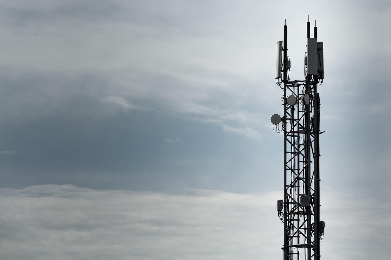 Nokia plockar bort upp till 10.000 tjänster