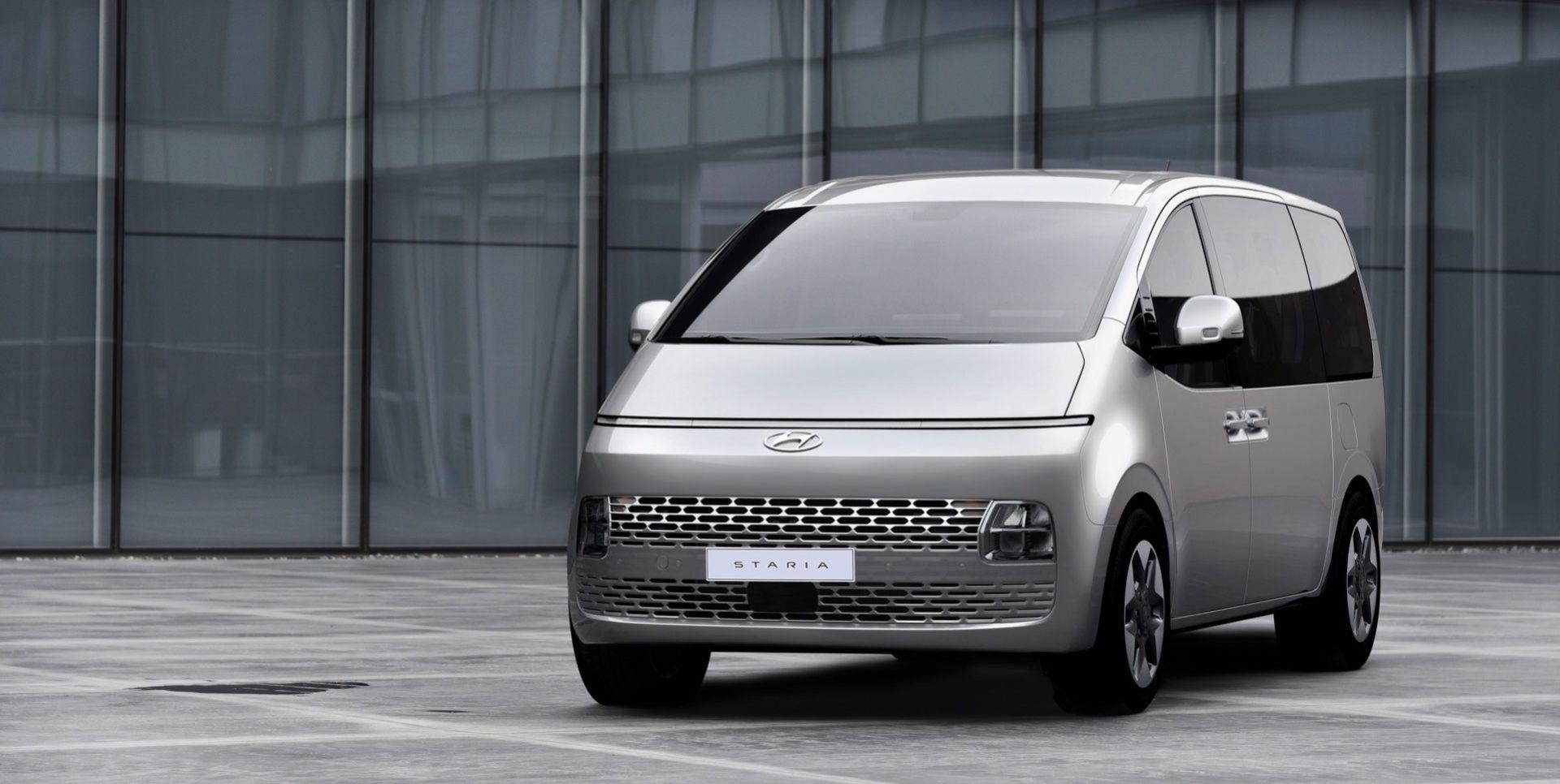Hyundai visar upp minibussen Staria