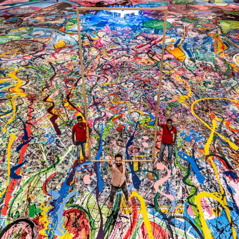 Världens största målning såld på auktion