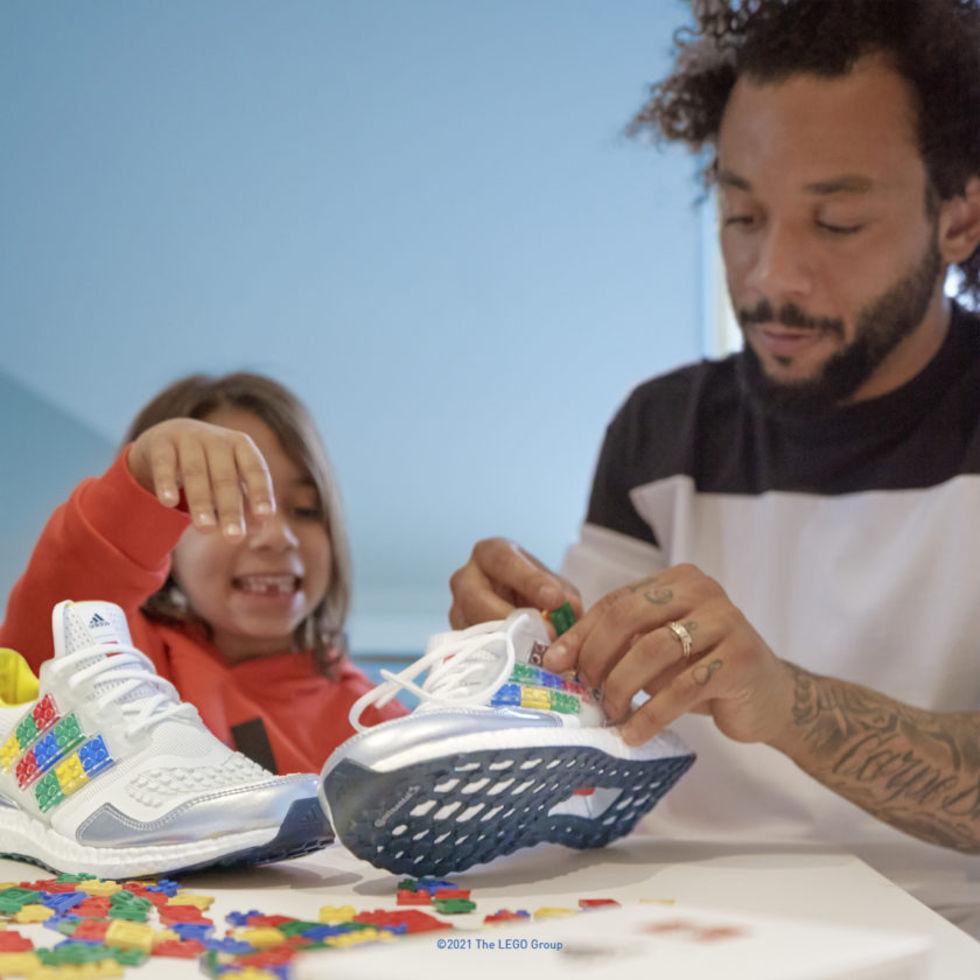 Adidas nya sneakers går att pimpa med lego-bitar