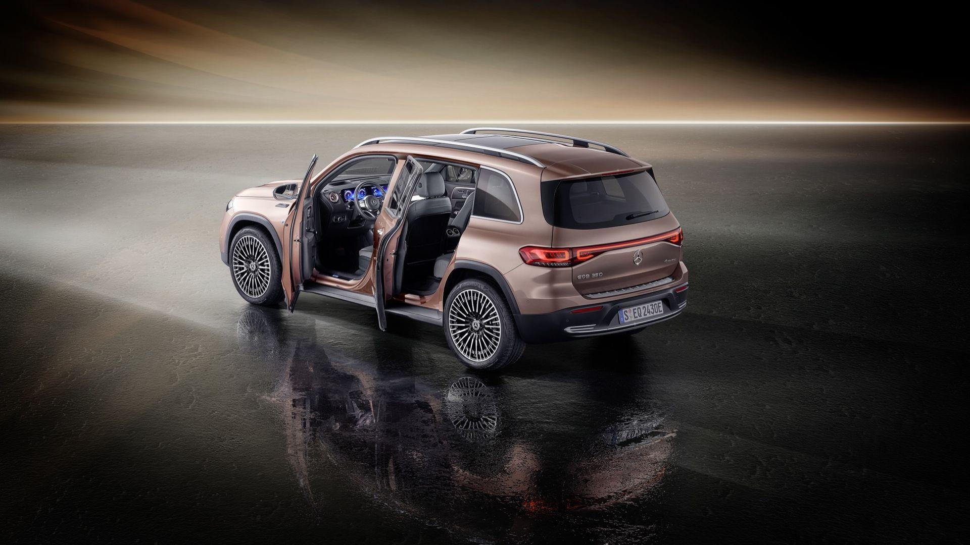 Mercedes visar upp nya EQB