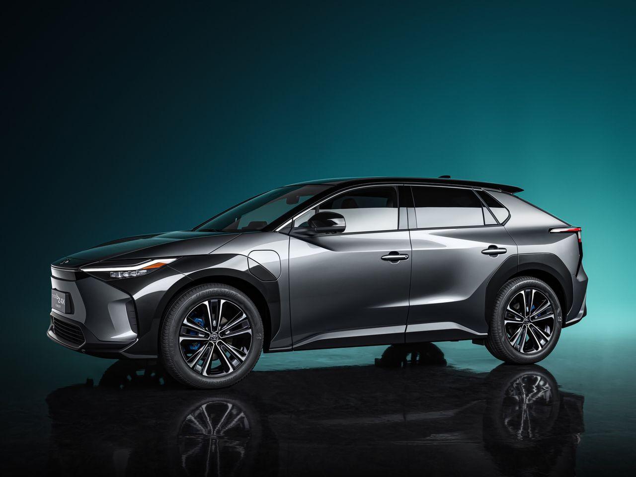Toyota presenterar bZ4x Concept