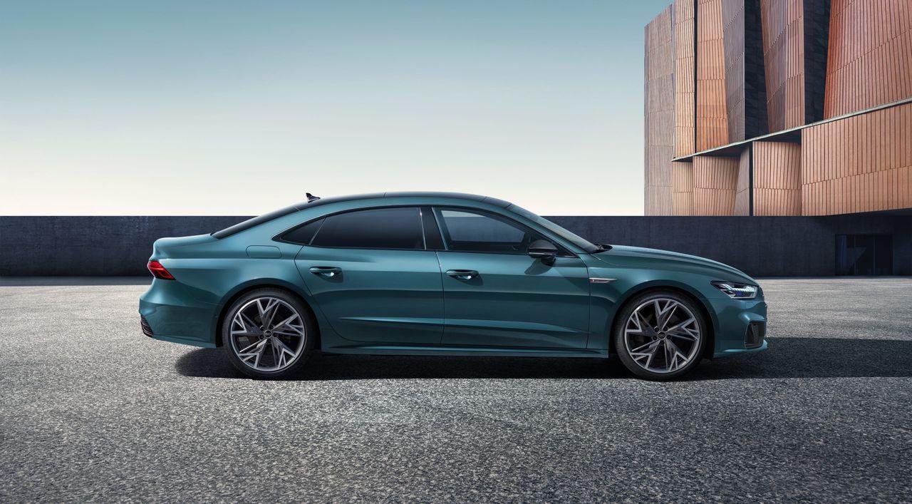 Audi släpper längre version av A7