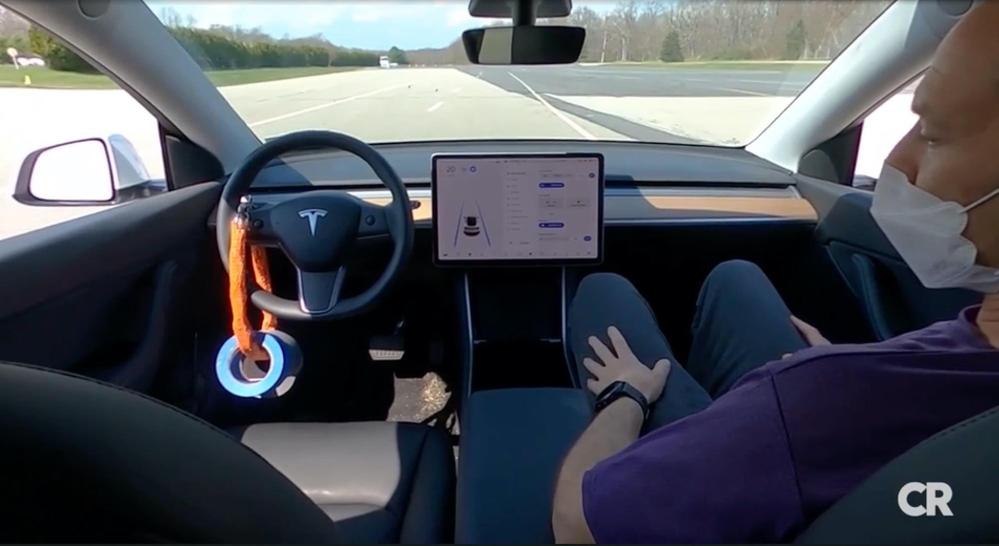 Teslas Autopilot anses ha för dålig koll på föraren Konsumentorganisation efterlyser säkrare körassistenter