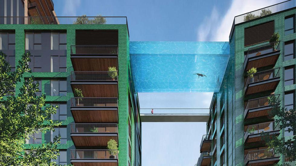 Ball Swimmingpool i London