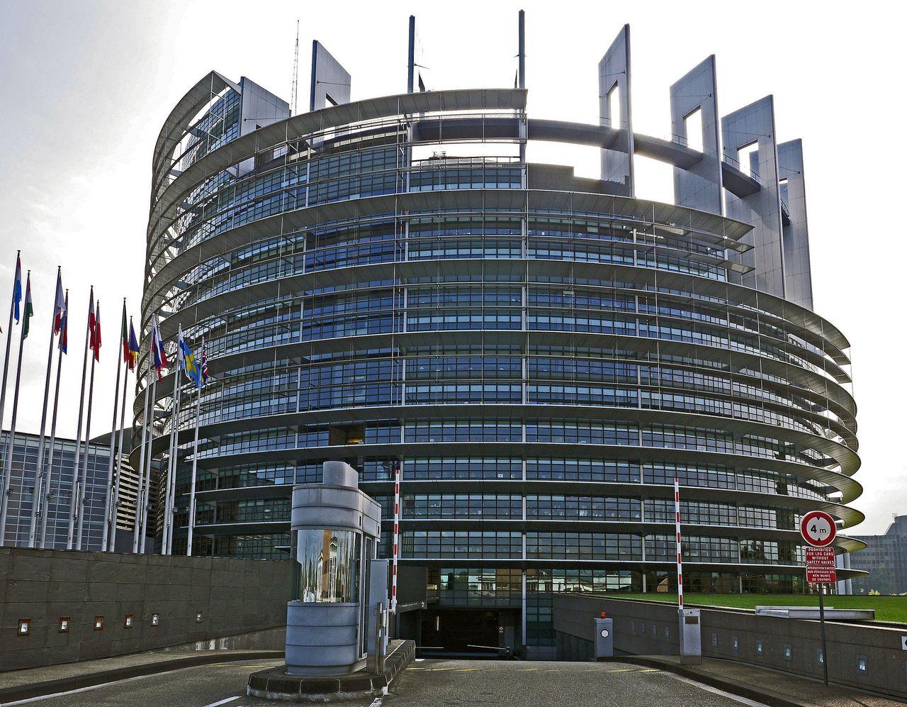EU godkänner ny nätlag mot terrorism