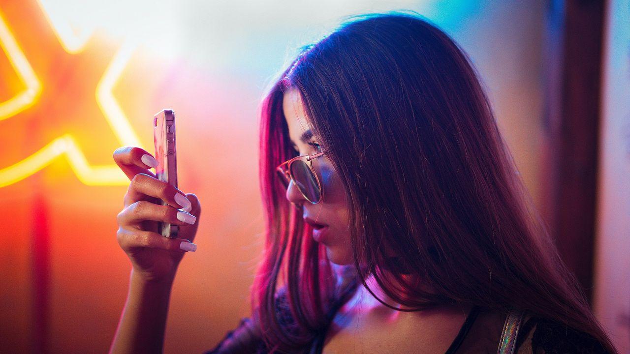 Facebook ber iOS-användare att ha spårning aktiverat