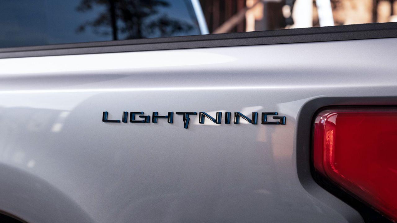 Fords eldrivna version av F-150 kommer att heta Lightning