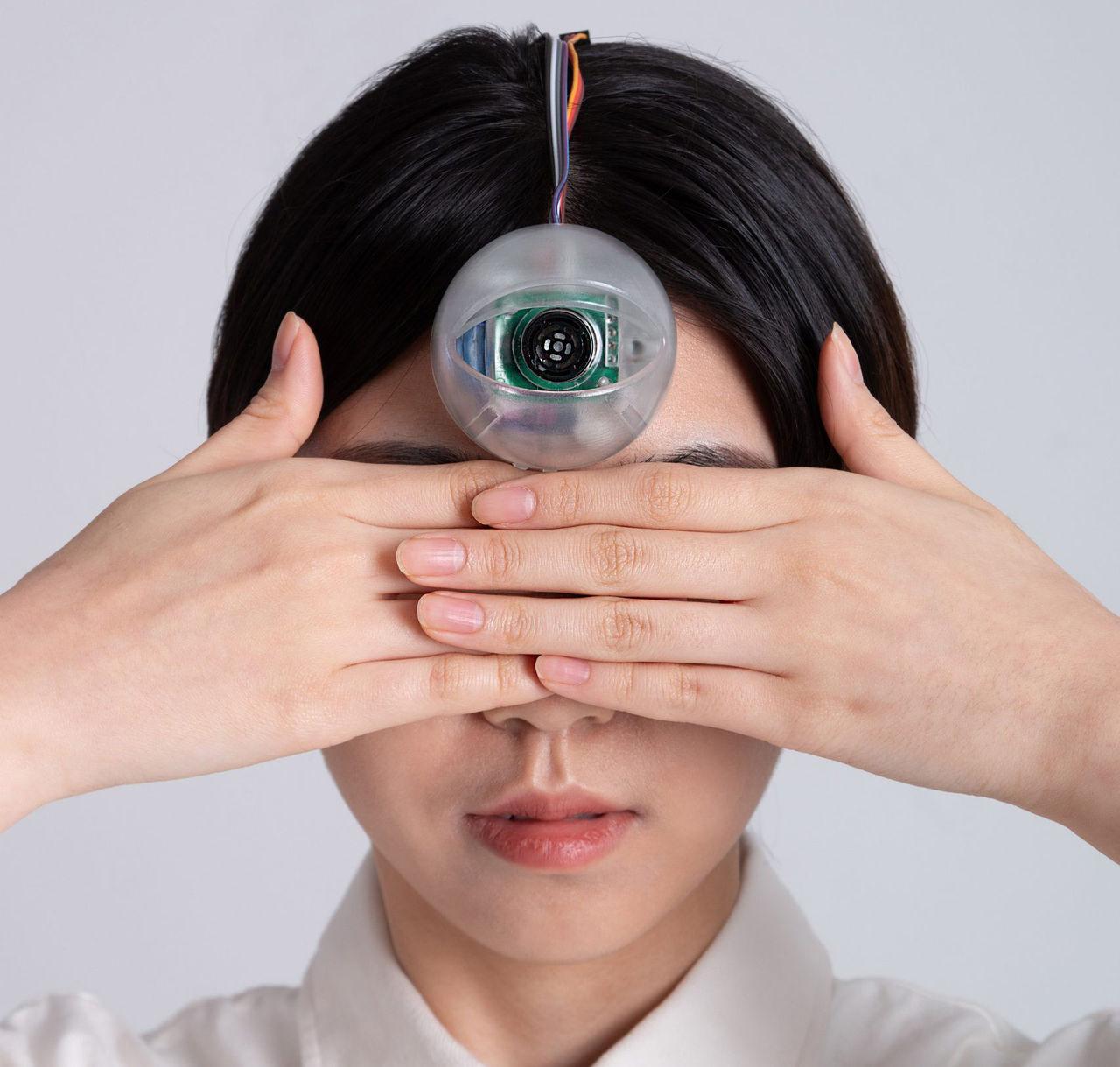 Cyborg-öga hjälper mobilzombies hålla koll på omgivningen