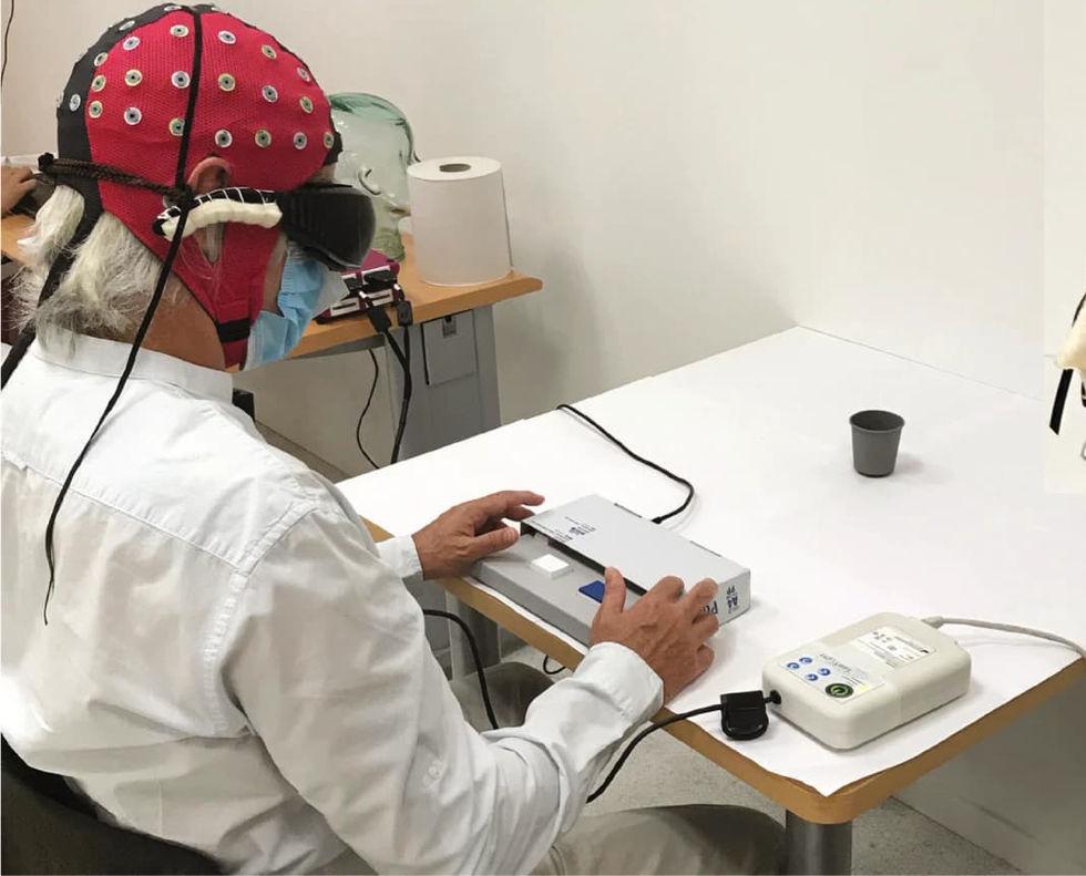 Blind man återfår lite syn med hjälp ny behandling