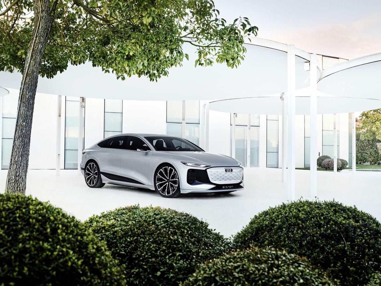 Nästa Audi A4 kommer som två olika bilar