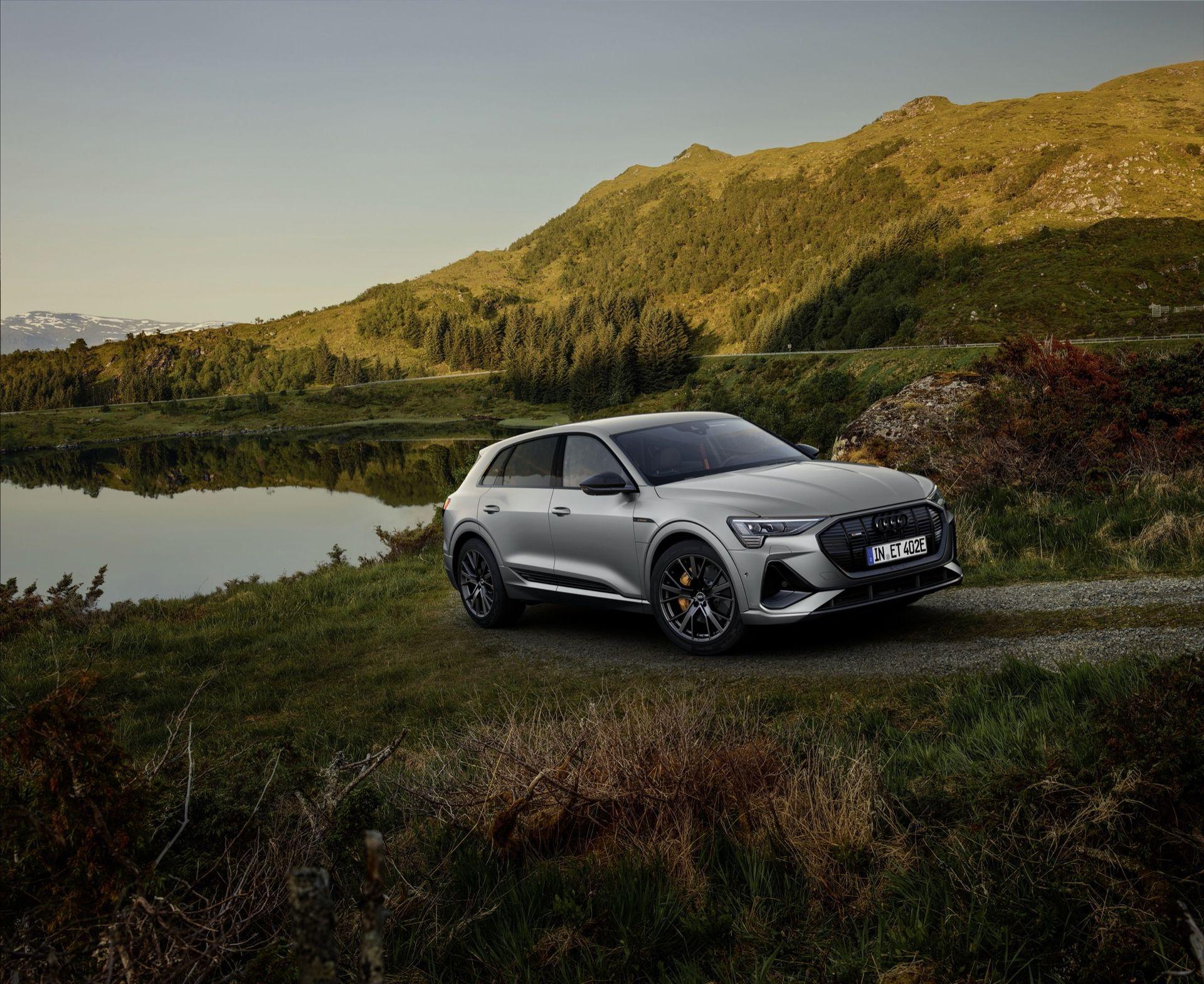 Audi e-tron får ett mörkare utseende