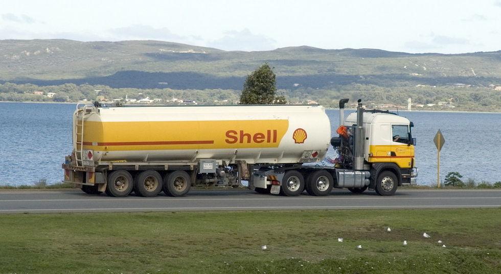Domstol beordrar Shell att sänka sina utsläpp