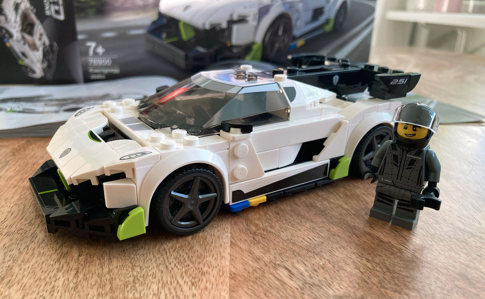 Rolig svensk detalj i Lego-Koenigsegg