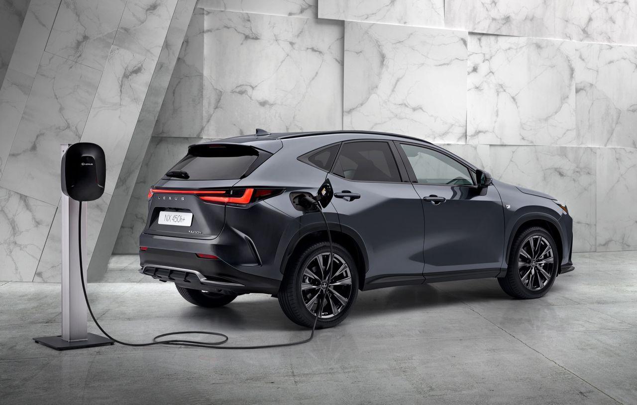 Lexus presenterar nya NX