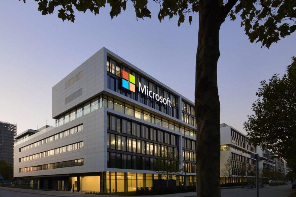 Nu är Microsoft värderat till över två biljoner dollar
