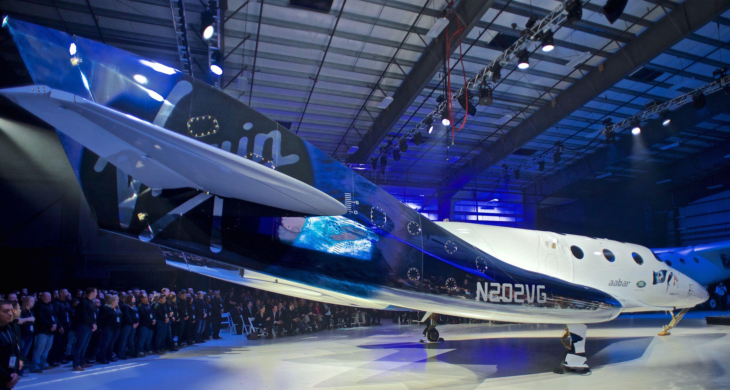 Richard Branson åker snart till rymden Passar på att åka upp innan Bezos
