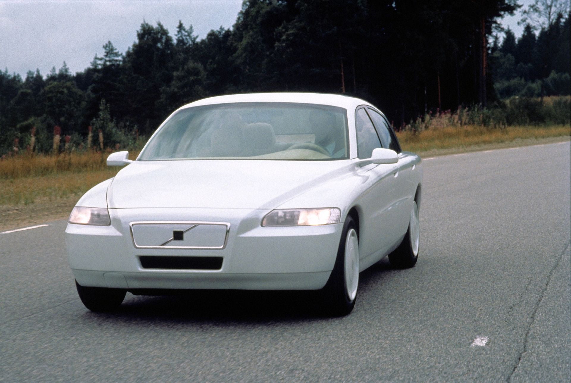 Trafikmagasinet kör eldriven Volvo 1992