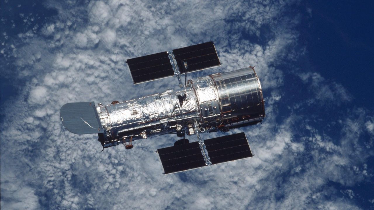 Hubble-teleskopet nu lagat