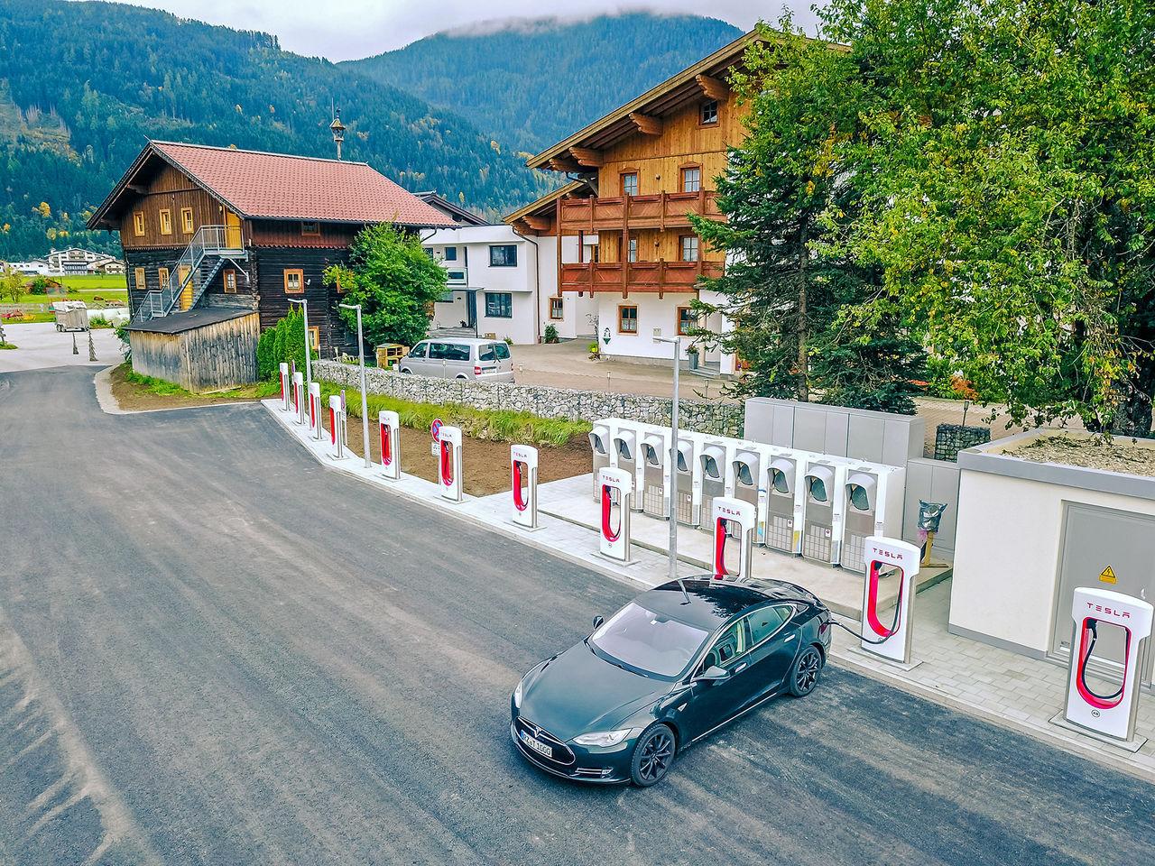 Tesla ska öppna upp sitt Supercharger-nätverk