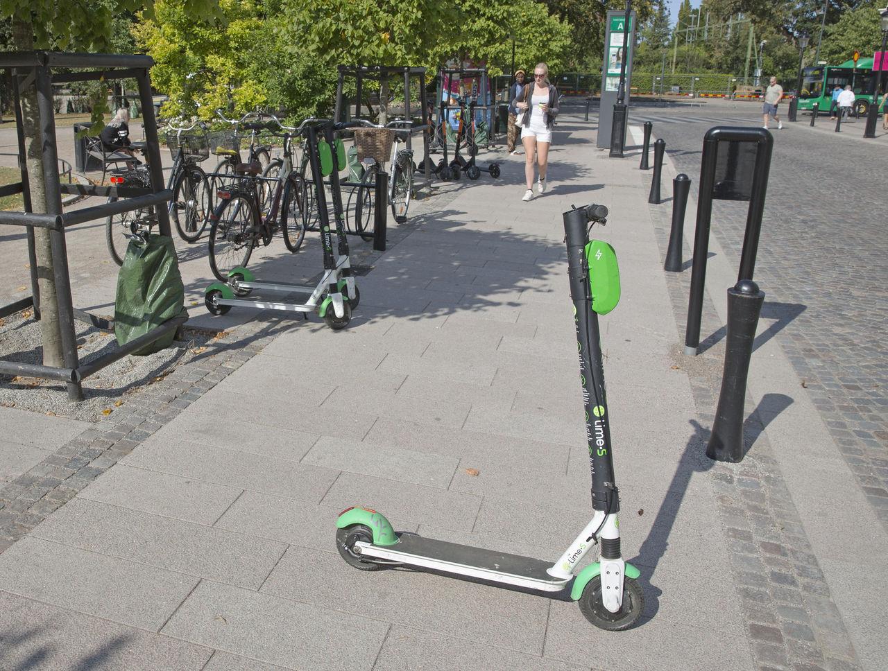 Många busåkningar med elsparkcykel