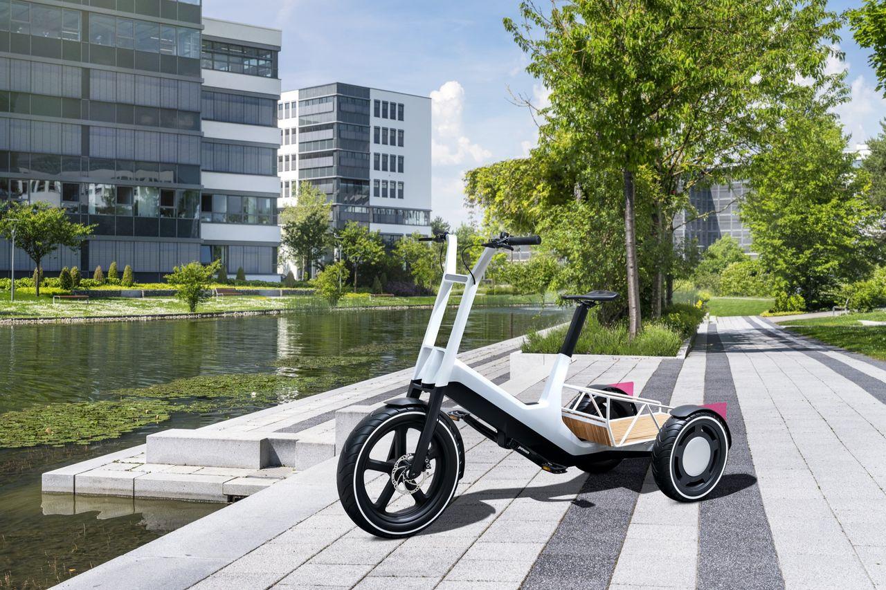 BMW visar upp fraktcykeln Dynamic Cargo
