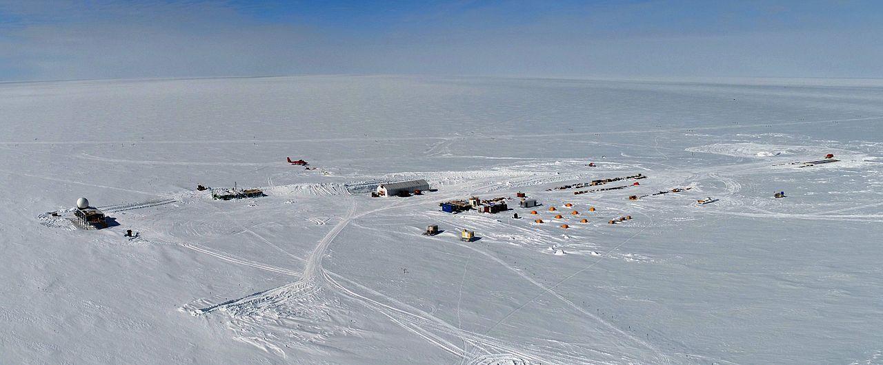Regn föll över toppen av Grönland