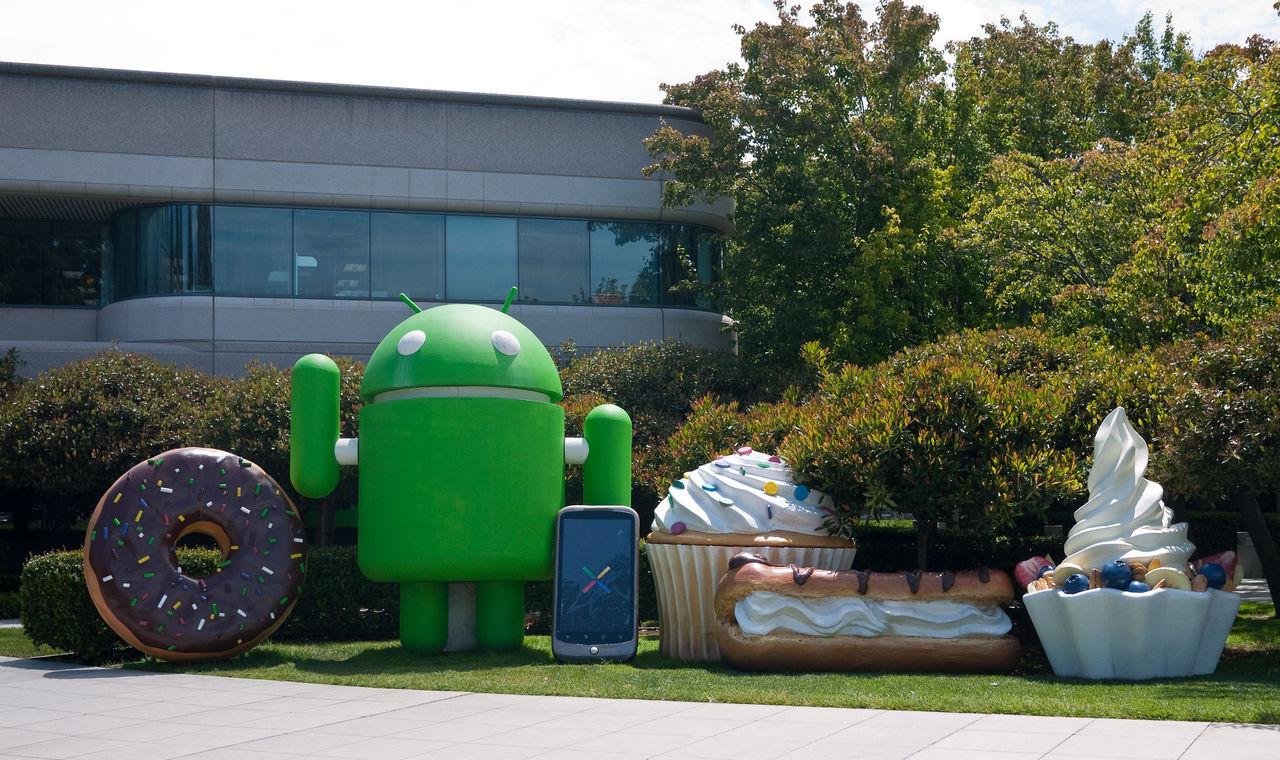 Google fick tillverkare att inte skicka med egna appbutiker