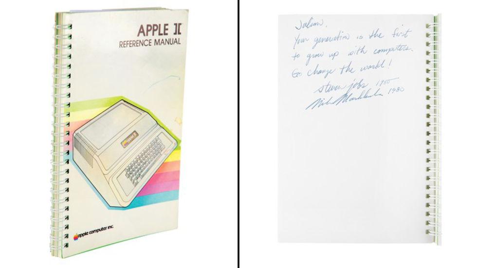 Apple II-manual med Steve Jobs autograf såld på auktion