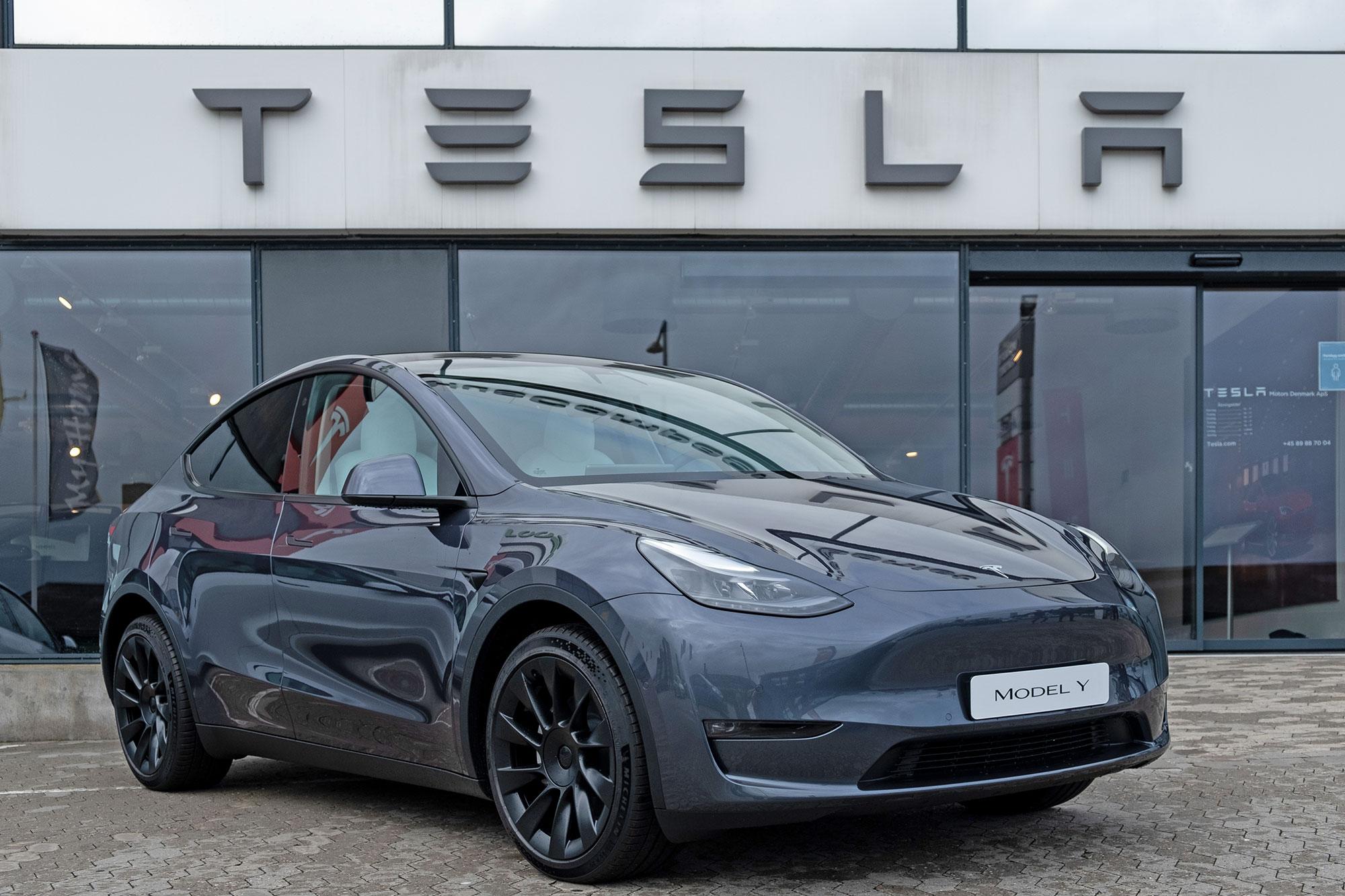 Nu kan man glo på Tesla Model Y i Sverige Leveras i september