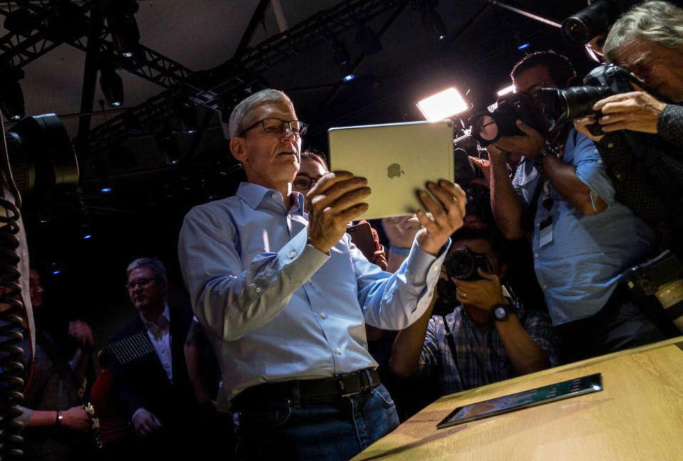 Tim Cook fick 5 miljoner Apple-aktier i bonus